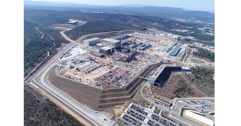 Chantier ITER construction centrale de production d'énergie nucléaire