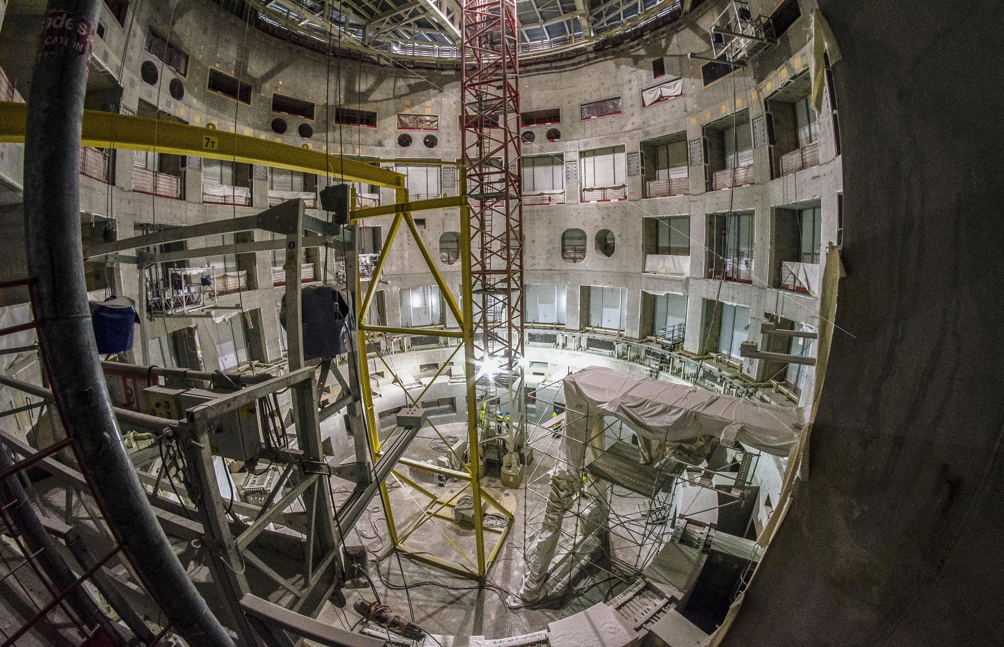 Fin de l'assemblage du Cryostat chez ITER